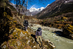 23__JZM7251.jpg (David Ducoin) Tags: bridge nepal mountain green forest trek asia hiking group hike trail summit hiker easy himalaya makalu snowcap shipton makalubasecamp bernardtaberlet shiptontrail