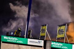 OCH, Brand Gewerbebetrieb (keb_fotografie) Tags: fotografie nrw brand feuer feuerwehr och keb ochtrup baumarkt freiwillige rauchentwicklung möbellager brandeinsatz gewerbebetrieb