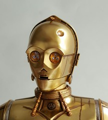 SIDESHOW COLLECTABLES C-3P0. (suki5150) Tags: ohio robot kentucky lucasfilm tomcruise r2d2 louisville droid oblivion c3po space1999 drone brianjohnson theempirestrikesback gerryanderson wonderfest r5d4 moonbasealpha eagletransporter nicktate silentrunningtribute