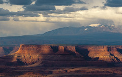 Canyonlands (Laura Zirino) Tags: light snow storm southwest landscape landscapes utah ut canyonlands redrock nationalparks