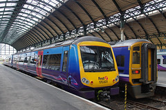 First TransPennine 170301 - Hull Paragon (Neil Pulling) Tags: uk station yorkshire railwaystation hull eastyorkshire hullstation hullparagon 170301 firsttranspennine firsttranspennine170301