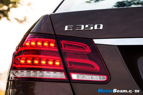 2015-Mercedes-E350-CDI-08
