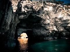 Las asombrosas cuevas de Gargano (nelsonmochilero) Tags: italy italia caves puglia vieste cuevas gargano youtube nelsonmochilero