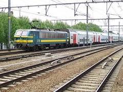 2718  Berchem  13.05.09 (w. + h. brutzer) Tags: digital train nikon eisenbahn railway zug trains locomotive 27 berchem belgien lokomotive elok eisenbahnen sncb eloks webru