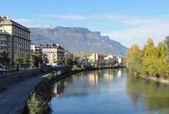 Fall in Grenoble (Hlne_D) Tags: autumn panorama mountain plant france alps tree fall photoshop montagne alpes grenoble automne plante river day cloudy rivire vercors arbre isre coud rhnealpes massifduvercors levercors hlned projectweather margionrhnealpes rhnealpesfrance