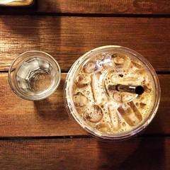 ร้านกาแฟดังของคนกรุงเทพฯ ☕️ //น่าจาสั่งกาแฟร้อนนะจะได้รูปสวยๆ //ตกลงจากินกาแฟหรือจะถ่ายรูป??