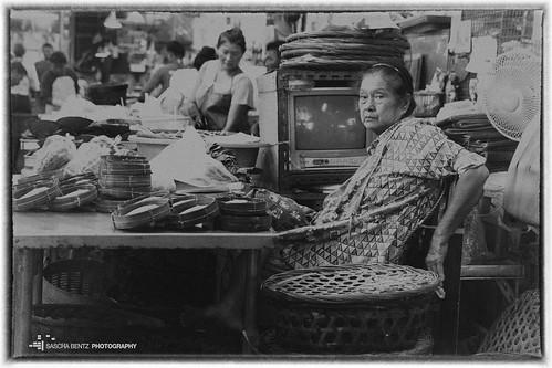 Hua Hin Market - Woman