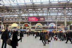 Victoria Station (avnnac) Tags: christmas city uk england london love station train canon photography metro capital victoria londra ldn