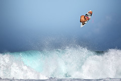 Koa Inverted Air (McSnowHammer) Tags: ocean sports point hawaii big oahu action air north rocky surfing shore northshore rockypoint koatree koasmith