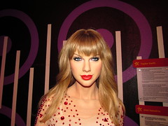 IMG_1672 (grooverman) Tags: camera trip las vegas madame vacation statue museum canon powershot taylor figure wax swift tussauds 2016 sx530