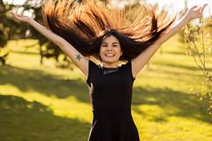 La felicidad no es un sentimiento, es una decisin. (sandraherrero) Tags: portrait sun sol nature girl tattoo hair atardecer happy movement model funny dress felicidad feliz pelo tatuaje happyness 700d