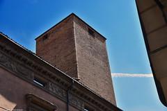 Bologna Torre Oseletti Strada Maggiore (Paolo Bonassin) Tags: italy tower bologna torri emiliaromagna bolognastradamaggiore bolognatorreoselettistradamaggiore34