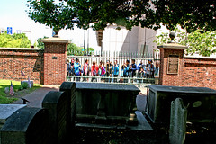 Schoolchildren looking through fence at the grave of Benjamin Franklin, Christ Church Burial Grounds, Philadelphia (davidvictor513) Tags: school philadelphia cemetery grave children outdoors pennsylvania patriot benjaminfranklin foundingfathers burialground declarationofindependence gravemarker christchurchburialground classtour famousamericans