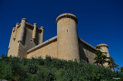 Castillo de Torrelobatn (Spain) (amajocu) Tags: espaa spain arquitectura nikon medieval fortaleza castillo castillaylen torrelobatn d5100