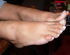 Santa 43 (J.Saenz) Tags: feet foot pies fetichismo podolatras pieds mujer woman dedo toe pedicure nail ua polish esmalte pintada toenail planta sole barefoot descalza