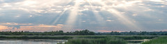 Evenings Sky (Chris Grimmer) Tags: sunset crepuscularrays settingsun rspb
