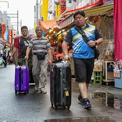 160628 125155 (friiskiwi) Tags: ameyokomarket luggage market people taitku tkyto japan jp