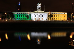 City Hall (Rob O'Connor) Tags: city ireland irish white green night port canon river gold hall long exposure outdoor flag cork lee 550d
