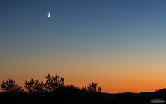 Duo at dusk : Jupiter and the Crescent Moon (AstroGuiGeek) Tags: crescentmoon croissantdelune lune moon dusk coucherdesoleil sunset astroguigeek astronomie astronomy astrophotography astrophotographie astro astro2016 franceastronomie space espace summer nuitdestoiles nuitsdestoiles nde nde2016 canoneos600d canonphotography eos600d t3i 600d rebelt3i ciel cieldenuit cieltoil night nightphotography nightscape sky skyatnight skyscape stars starrysky starrynight jupiter conjunction conjonction cre
