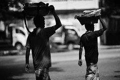 SYNCHRO (N A Y E E M) Tags: seller vendors hawker today street norahmedroad chittagong bangladesh windshield light