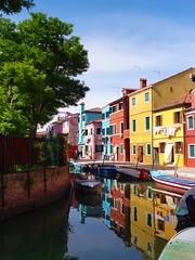 Houses at Burano (Matthieu Toulemonde) Tags: italy burano colors houses water sony rx10