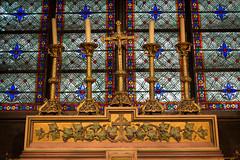 Inside Notre-Dame, Paris, France (Earthman.) Tags: notredame notredamedeparis france paris church churchglass architecture architecturaldetail cathedral earthman fuji x100t jesus crucifix stainedglass stainedglasswindow window