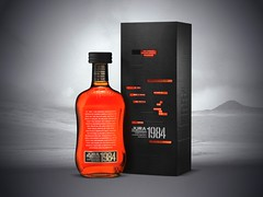 Jura 1984 Vintage limited edition single malt whisky (FoodBev Photos) Tags: whiskey drinks alcohol 1984 packaging whisky georgeorwell beverages nineteeneightyfour giftbox jura1984vintagelimitededitionsinglemaltwhisky