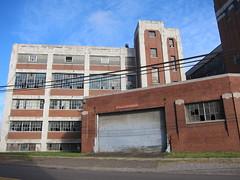warren 054 (Fan-T) Tags: ohio abandoned industry belt rust factory ruin warren manufacturing