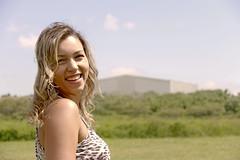 (Camilamenezesfotografia) Tags: park parque brazil max smile look brasil canon vintage print br grama blond linda evento flare brazilian alta sorriso silva loira brasileira oncinha suzano calça 70d fefer jakeline