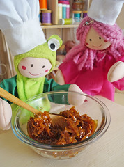 Hummm... (Ateliê Bonifrati) Tags: cute diy king candy craft frog sapo yumi rei doces tutorial pap receitas receives cocada passoapasso bonifrati