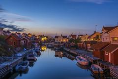 DSC_9927_1280 (Vrakpundare) Tags: reflections boats canal village sweden kanal boathouse fishingvillage bohusln grundsund btar fiskeby spegelblankt sjbod sjbodar henryblom vrakpundare
