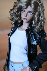 Kate (Mirra16) Tags: ball doll bianca jointed iplehouse