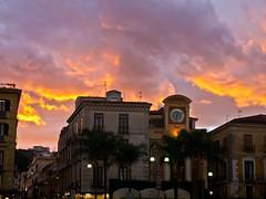Burning sky # 1 (schreibtnix on'n off) Tags: italien sunset sky italy travelling clouds reisen sonnenuntergang corsoitalia himmel wolken sorrent olympuse5 schreibtnix