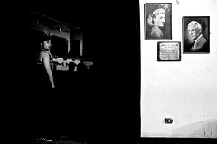 Teatro Cariola II (horment) Tags: chile santiago portrait people blackandwhite bw white black blancoynegro blanco portraits 35mm canon painting teatro photography photo blackwhite paint theatre negro paintings bn personas retratos canonef35mmf2 cuadros pinturas santiagodechile chileno blanconegro chilean ef35mmf2 canon35mmf2 cariola teatrocariola horment