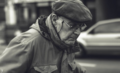 Glasses (Yanis Younes Photography) Tags: old portrait blackandwhite monochrome vintage 50mm streetphotography canoneos700d yanisyounes