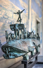 Millesgården (AyaxAcme) Tags: sculpture europa europe sweden stockholm schweden sverige scandinavia hdr estocolmo stoccolma suecia lidingö millesgården carlmilles skulpturen photomatix escandinavia olgamilles tonemapped skulpturpark canon60d canoneos60d eos60d potd:country=es hdrworldsweden