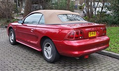 Ford Mustang Convertible 3.8 V6 (sjoerd.wijsman) Tags: auto red holland cars ford netherlands car den nederland thenetherlands convertible denhaag voiture vehicle holanda autos mustang haag fordmustang import rood cabrio paysbas olanda fahrzeug niederlande cabriolet mariahoeve zuidholland carspotting redcars fordmotorcompany blueoval fordusa carspot 24122014 sidecode6 35prrs