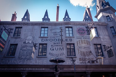 Adds (flippers) Tags: vacation usa holiday london sign america umbrella poster orlando unitedstates florida wizard magic harrypotter advert universal themepark advertisment diagonalley honeydukes roominghouse droobles wizardingworldofharrypotter