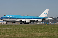 PH-BFF, KLM Asia Boeing 747-400, AMS (Andries Cafmeyer Planespotting) Tags: holland netherlands amsterdam canon airplane eos flying airport aircraft flight jet nederland 2006 airline vol boeing airways flughafen klm airlines flugzeug schiphol avin aeropuerto ams 747 compagnie spotting avion 747400 vuelo arienne flugzeuge eham flug aroport spotter volant aerolneas aeronave fliegend phbft klmasia aerolnea