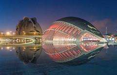 L'Hemisferic - Valencia (Pablo___) Tags: espaa reflection water valencia architecture spain nocturnal piscina nighttime calatrava reflejo spagna notturno riflesso geometries ciutatdelesartsilescincies futuristicarchitecture hemispheric