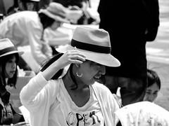 Shashin - DSCN4684 (Mathieu Perron) Tags: life city bridge people bw white black monochrome japan nikon noir market perron daily nb kobe journey  mp organic blanc japon personne ville gens vie mathieu    sjour   brik quotidienne  umie    nrik    p520  zheld