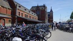 Amsterdam Centraal (Rosapolis) Tags: netherlands amsterdam parking bikes bicicletas noordholland centraal bicis