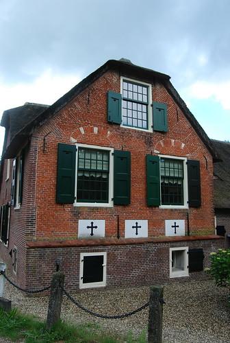 Boerderij uit Hoogmade, moest wijken voor de hogesnelheidslijn Amsterdam - Parijs.