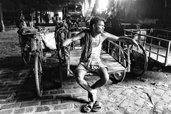Kolkata (daniele romagnoli - Tanks for 14 million views) Tags: road street light portrait blackandwhite bw india nikon asia strada sguardo indie ritratto indien bianconero calcutta slum biancoenero indiano slums inde  indiani calcuta   d810   romagnolidaniele