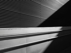 Arquitectos San Lorenzo 8 - Polideportivo Tomelloso #7 (Ximo Michavila) Tags: arquitectossanlorenzo8 polideportivo tomelloso ciudadreal castillalamancha ximomichavila arquitectura architecture graphic geometric abstract achidose archdaily archiref spain metal sports centre lines shadow monochromatic bw blackwhite grey handrail
