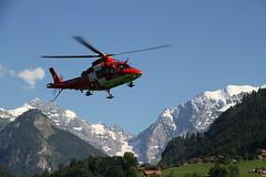 rettungshelicopter (berber hoving) Tags: door de er first aid werner tafel glazen gezakt bloeding slagaderlijke