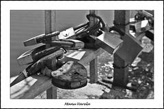 candado (Manu Varela - Fotografa Aeronutica y algo ms) Tags: candados hierro forjado oxidado piedra muro amor siempre acero forja love
