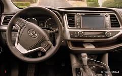 Steering Wheel & Dash - 2014 Toyota Highlander Limited Platinum