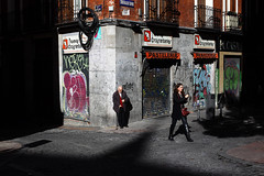 Chueca (N.D.K.K.) Tags: madrid street city light shadow people urban espaa luz public photoshop canon geotagged photography 50mm photo calle spain focus europa europe strada gente candid low eu ciudad sombra stranger full size fotos frame 5d format usm cinematic dido barrio markii chueca ef50mmf14usm strase 5dmarkii canon5dmarkii
