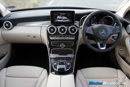 2015-Mercedes-C-Class-26
